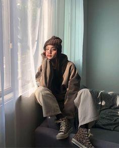 cute girl ulzzang 얼짱 hot fit pretty kawaii adorable beautiful korean japanese asian soft grunge aesthetic 女 女の子 g e o r g i a n a : 人 Korean Fashion Trends, Korean Street Fashion, Asian Fashion, Look Fashion, Winter Fashion, Tokyo Street Fashion, Korean Women Fashion, Modern Hijab Fashion, Street Hijab Fashion