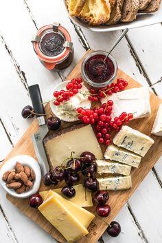 trickytine ♥ kirschmarmelade mit rosmarin und einem hauch fleur de sel und gereiftem balsamcio, der perfekte begleiter zu käse