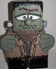 Frankenstein brick patio paver decoration    Facebook-thewoodbin