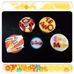 Cupcakes temáticos de vainilla con rellenos de arequipe y fresa, decoraciones en fondant. Reserva los tuyos con tu personaje o tema favorito en Te Quelo.