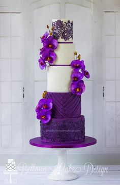 'Romantic purple' - Cake by Bellaria Cakes Design (Riany Clement)