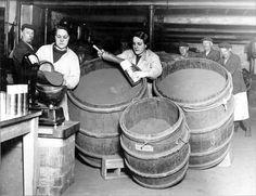 Packing Snuff, Joseph and Henry Wilson Ltd. Henry Wilson, Tobacco Industry, Industrial Development, Derbyshire, Sheffield, Yorkshire, Joseph, Packing, Memories