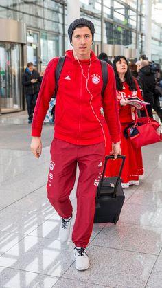 Bundesliga in HQ Poland National Team, Robert Lewandowski, Soccer Tips, Munich, My Boys, Hot Guys, Leather Jacket, Geek, Collection