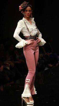 Diy Fashion, Fashion Dresses, Fashion Looks, Womens Fashion, Belly Top, Carnival Outfits, French Girl Style, Spanish Fashion, Ballroom Dress