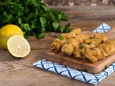 Spiedini di pollo panati al forno Turkey Recipes, Meat Recipes, Chicken Recipes, Kitchen Rules, Antipasto, Light Recipes, Cooking Time, Street Food, Finger Foods