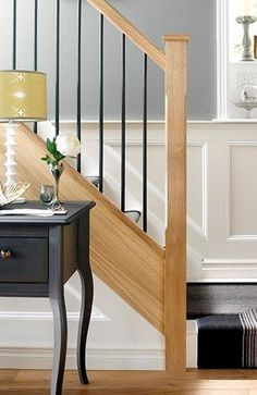 39 super ideas for stairs handrail design awesome Iron Stair Balusters, Black Stair Railing, Stair Banister, Stair Railing Design, Wrought Iron Stairs, Wood Railing, Metal Stairs, Black Stairs, Banisters