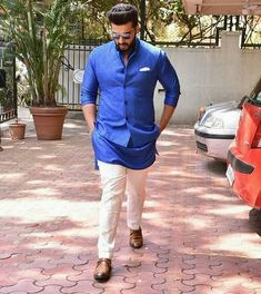 Man in blue  Arjun kapoor arrives at sonam kapoor's wedding venue!  #arjunkapoor #sonamkishaadi #everydayphenomenal