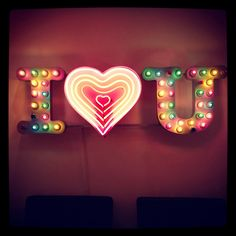 'I ♡ U' NEON SIGN                                                                                                                    ๑෴MustBaSign෴๑
