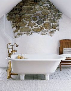 9 Simple and Creative Tips and Tricks: Natural Home Decor Rustic Tubs natural home decor ideas layout.Natural Home Decor Inspiration Color Schemes simple natural home decor lights.Natural Home Decor Feng Shui Interior Design. Rustic Bathroom Decor, Rustic Bathrooms, Modern Bathroom Design, Bathroom Styling, Home Decor Bedroom, Bath Decor, Bathroom Designs, Bathroom Ideas, Bad Inspiration