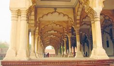 Travel to India and explore Delhi, Jaipur, Rajasthan, Varanasi and Agra. Visit the Taj Mahal, the Pink City and Ranthambore National Park with Smithsonian Journeys. Agra Fort, Mother India, India Architecture, India Culture, Mughal Empire, Life Photo, Maldives, Scenery, Places To Visit