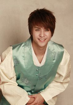 Dongwoon in Korean traditional costume