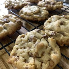 Chocolate Chip and Skor Cookies - Our Little Suburban Farmhouse Baking Recipes, Cookie Recipes, Dessert Recipes, Easy Desserts, Cookie Flavors, Bar Recipes, Baking Ideas, Dessert Ideas, Delicious Recipes