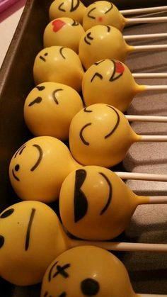 Check out these awesome emoji party ideas for birthdays and baby showers. 11th Birthday, Girl Birthday, Birthday Parties, Birthday Cake Pops, Birthday Ideas, Emoji Cake Pops, Emoji Food, Party Mottos, Savoury Cake