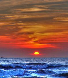 7 plages les plus attrayantes du Vietnam Avec le littoral plus de 3000 km, il n'est pas étonnant que le Vietnam possède plusieures belles plages. Con Dao, Phu Quoc, Mui Ne,… sont les plages les plus connues et attrayantes, nommées par Lonely Planet.