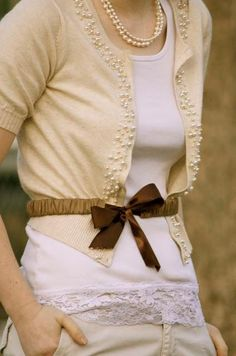 I want to DIY this both the belt and sweater. it cannot be hard to do