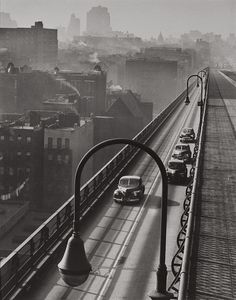 Harold Roth - Williamsburg Bridge, 1947
