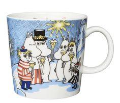Moomin mug Millenium 2000 Moomin Mugs, Moomin Valley, Tove Jansson, Marimekko, Crafts To Do, Mug Designs, Earthenware, Tea Set, Poppies