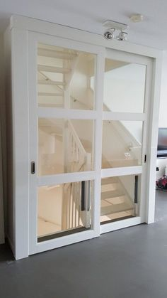 Close an open staircase # closing Open Staircase, Staircase Design, Open Trap, Casa Patio, Loft Room, Attic Rooms, House Stairs, Basement Remodeling, Home Bedroom