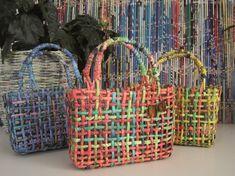 Le borse colarate in cartone riciclato di Ana Romana Giorgini