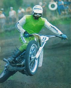 Motocross Action, Motocross Riders, Motorcycle Posters, Motorcycle Art, Vintage Bikes, Vintage Motorcycles, 2 Stroke Dirt Bike, Suzuki Motocross, Old Scool