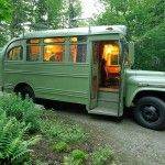 6 bus transformés en habitations roulantes pour partir en voyage