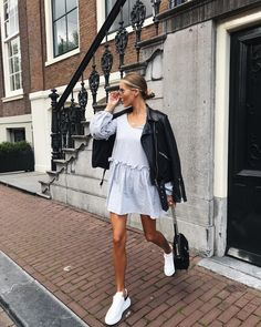 Amsterdam ⚡️ Wearing the cutest dress from Amsterdam Fashion Summer, Casual Outfits, Cute Outfits, Fashion Outfits, Fashion 2020, Fashion News, Spring Summer Fashion, Spring Outfits, Nyfw Style