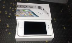Smartphone Apple iPhone 4s - 32 Go - Blanc (MD245F/A)
