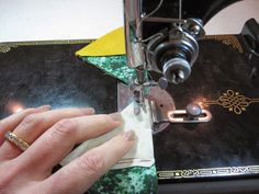 Cheeky Cognoscenti: Sewing Machine Review: The Iconic Singer Model 221 Featherweight