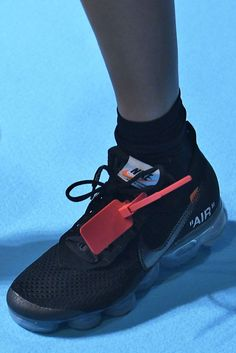 17 Sneakers You ll See Everywhere in 6 Months 71a9c909f627
