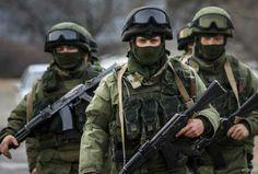 Когда «Вежливые люди» бывают невежливы: какспецназ России выводил журналистов из-подогня — без цензуры (ВИДЕО 18+)