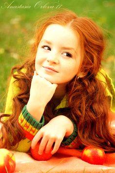 Pretty little redhead... I want a little mini-me like her one day lol.