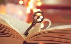 Llave en libro