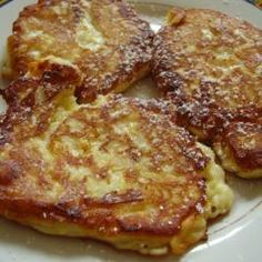 Quark-Apfel-Pfannkuchen Quark apple pancakes and other recipes are discovered DasKochrezept. Pancakes From Scratch, Pancakes Easy, Dessert Simple, Snacks To Make, Easy Snacks, Healthy Desserts, Easy Desserts, Snack Recipes, Dessert Recipes