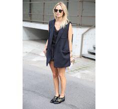 La responsable glam, style, mode de Glamour, Sharleen Naquet, http://www.vogue.fr/defiles/street-looks/diaporama/street-looks-a-la-fashion-week-printemps-ete-2014-de-paris-jour-1-2/15421/image/852033#!la-responsable-glam-style-mode-de-glamour-sharleen-naquet