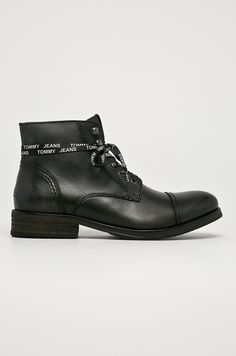 Men Dress, Dress Shoes, Jeans Fashion, Oxford Shoes, Model, Denim Fashion, Scale Model, Jean Outfits