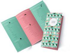 Menukaart layout Sushi flat design menu design  Deze menukaart ziet er speciaal uit door het typische kleurgebruik en de illustraties. De menukaart is erg overzichtelijk en is gemakkelijk te lezen. Deze menukaart is speciaal ontworpen voor Sushi restaurants zodat dit menukaart design perfect aansluit op de sfeer binnen het restaurant.