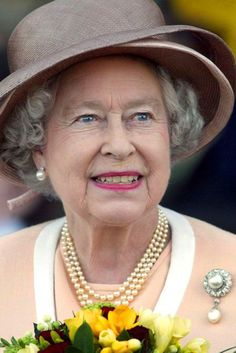 Queen Elizabeth II Best Diamond Brooches | British Vogue