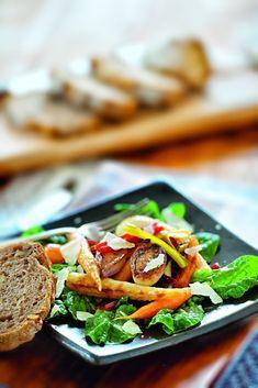 Kreieren Sie einen leckeren selbstgemachten Wintersalat. Eine gesunde Mahlzeit, die etwas Farbe in die Winterzeit bringt.  Wie hat Ihnen das Rezepte gefallen? Schreiben Sie uns eine Nachricht an social@confiserie.ch oder senden Sie uns ein Foto Ihres Koch-Ergebnisses. Wir freuen uns! Cooking, Salad Ideas, Healthy Meals, Winter Time