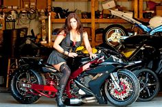 The badest R1 i have ever seen, i wish i could find more pics but this is the only one... I want to do a build very similar too this so i had to pin it so i wont lose it...this bike is jaw dropping inn my eyes...best custom sport bike i have ever seen and i have riden and seen my fair share...OMG
