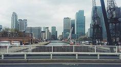 Ah ten wiktoriański styl... Temu miastu brakuje kolorów!  #london #canarywharf #docks #cloudyday #nocolor #skytowers #sadlife by kudrykiewiczz