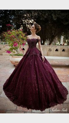 Die {Diabolik Lovers} der Frau Source by unbekanntmail dress for quince Cute Prom Dresses, 15 Dresses, Elegant Dresses, Pretty Dresses, Fashion Dresses, Debut Dresses, Grad Dresses, Red Ball Gowns, Ball Gown Dresses
