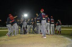 Escárcega, Camp. (www.leones.mx / Mario Serrano) 17 de diciembre.- Los Piratas explotaron sus cañones para vencer a Leones y alzar el campeo...