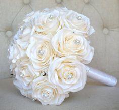 New Bridal Bouquet White Blush Roses Ideas Silk Bridal Bouquet, White Wedding Bouquets, Blush Bridal, Bridal Flowers, Bridesmaid Bouquet, Wedding Bouquet Pearls, Bridal Bouquets, Beaded Bouquet, Wedding Dresses