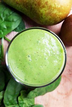 Smoothie met peer, kiwi, spinazie en komkommer | Gewooneenfoodblog.nl