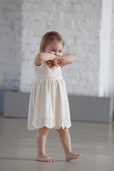 Classic knit lace dress for your little princess! This dress is stunning for Flower girls, Photo shoots, Weddings, Special events, Birthday,
