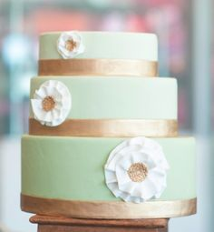 wedding cake - mint and gold