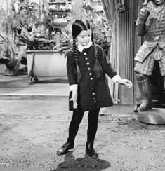 I totally dance like this to this song! - The Addams Family dancing Blitzkrieg Bop by the Ramones The Addams Family, Adams Family, Family Tv, Joy Division, Ramones, Movies Showing, Movies And Tv Shows, Charles Addams, Wednesday Addams