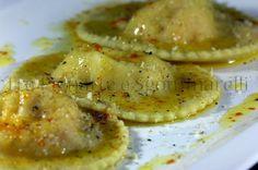 Le mie ricette - Ravioli ripieni di ricotta, mascarpone e gamberi rossi, con burro allo zafferano e limone e mollica di pane tostata | Tra Pignatte e Sgommarelli