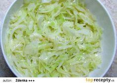 Zelí spařím a to tak, že si v konvici svařím litr vody a zaliju s ní zelí… Diet Recipes, Vegan Recipes, Cooking Recipes, Vegetable Salad, Vegetable Recipes, Brunch, New Menu, Cooking Light, Food 52