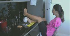 Mulher sem os braços sonha em ter próteses 'para poder abraçar o filho'